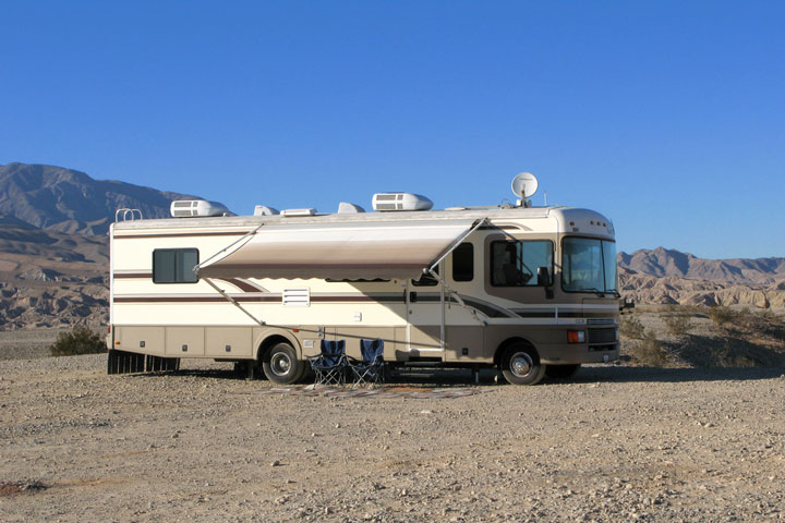 RV-DESERT-SELENA-ROADTRIP